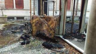 20170922 villa gianetti gazebo bruciato retro (5)