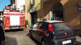20171010 pompieri e carabinieri via san cristoforo (1)