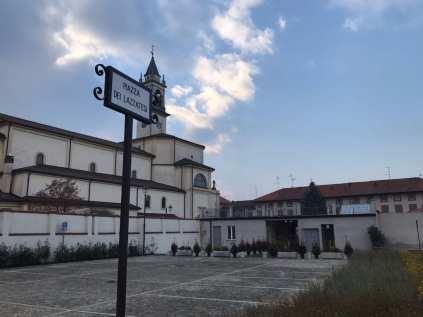lazzate piazza dei lazzatesi (1)
