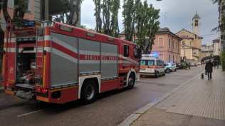 20190517 pompieri, polizia locale ambulanza via roma vigili del fuoco (1)