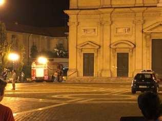 20190823 ambulanza carabinieri piazza libertà (2)