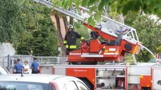 20190921 incendio cesate vigili del fuoco (5)