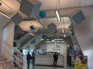 20191130 panelli fonoassorbenti piscina ingresso (2)