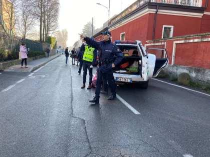 20200218 incidente polizia locale investito pedone (1)