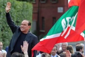 >>>ANSA/BERLUSCONI NON PARLA MA SCATTANO NOTE FORZA ITALIA
