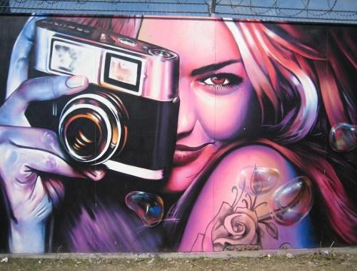 artisti strada creatività ilsocialblog fotografia serie netflix social media