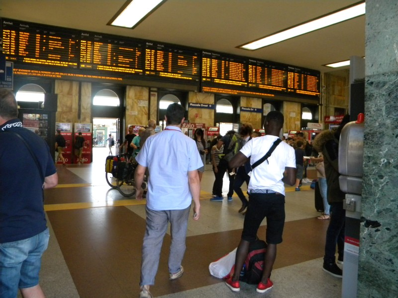 Un giorno nella stazione di Bologna