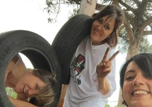 Reportage:una giornata con le mamme coraggio continua la campagna per sottrarre copertoni ai roghi di Acerra