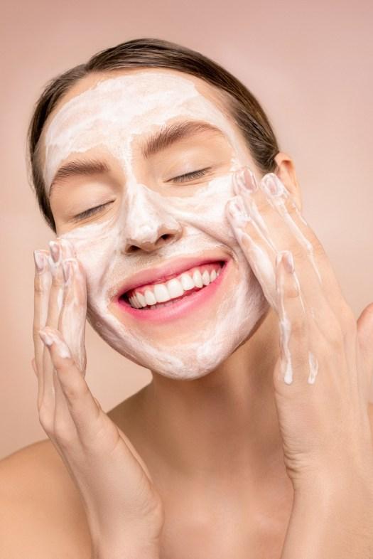 Quelle crème de jour utiliser quand on a de l'acné et qu'on est un(e) adolescent(e) ?