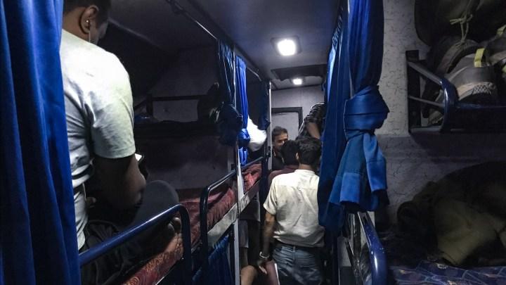 À notre montée dans le bus