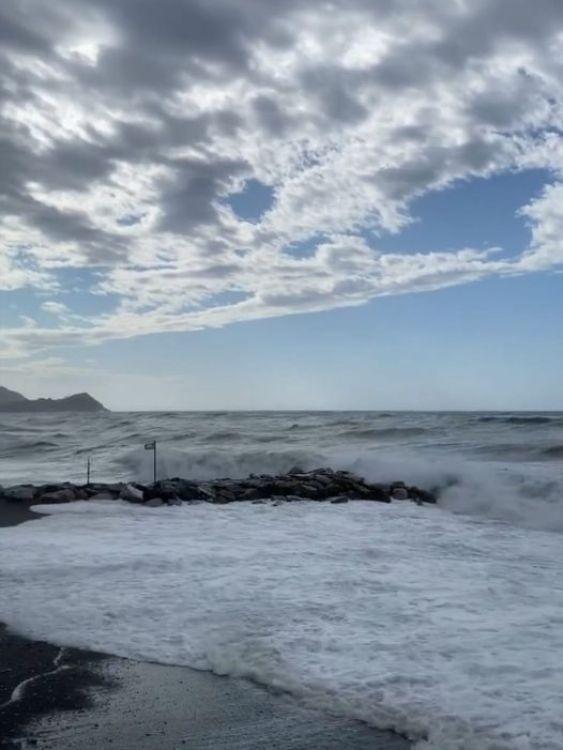 Chiavari, Mareggiata sulla spiaggia