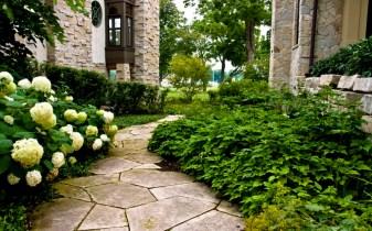 lannonstone courtyard