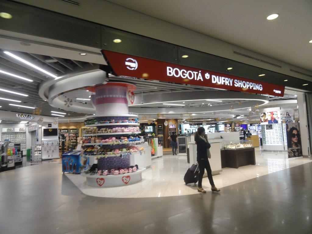 """Duty Free Aeroporto """"El Dorado"""" Bogotá Colômbia lojas comercial 2"""
