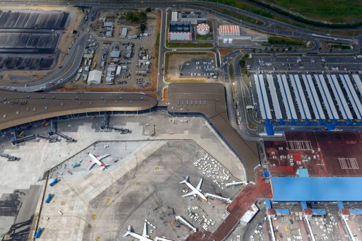 Caribe internacional Centro América World Airport Awards hub canal Norman Foster design iluminação