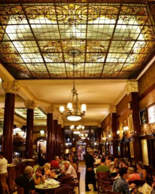 Bar_Notable_Cafe_Tortoni_Buenos_Aires_Interior_1