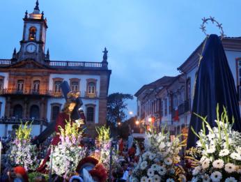 Procissão_Encontro_Ouro Preto_ Semana Santa_Praça Tiradentes_5
