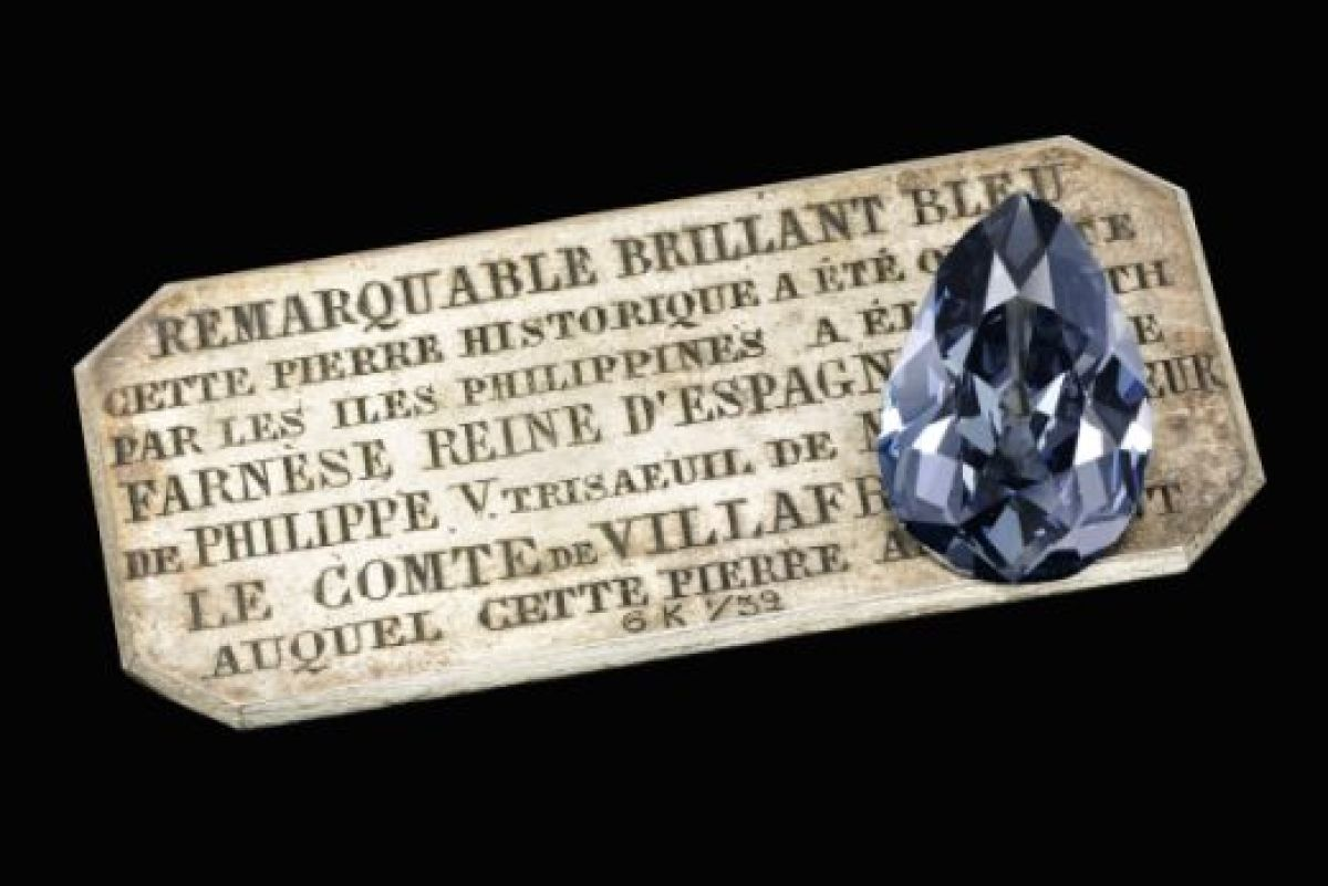 Royal-Blue-Diamond-Surfaces-After-300-Years