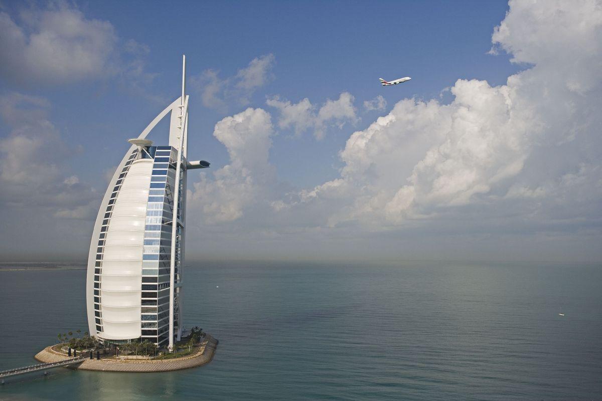 A380_Burj_Al_Arab
