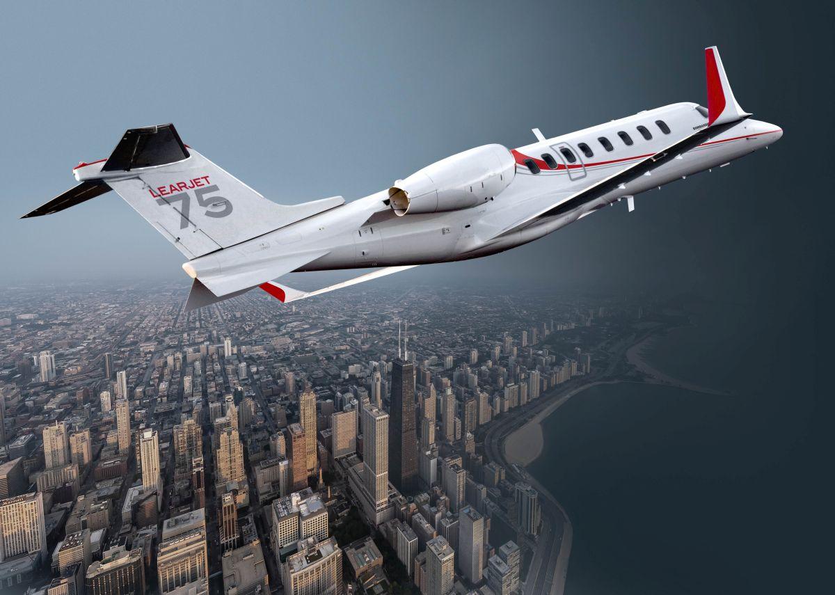 Learjet75_2015_Chicago_Low resolution