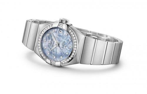 Vznešená elegance v podání hodinek Omega Constellation Pluma – iLuxus.cz 8e0e7399cc