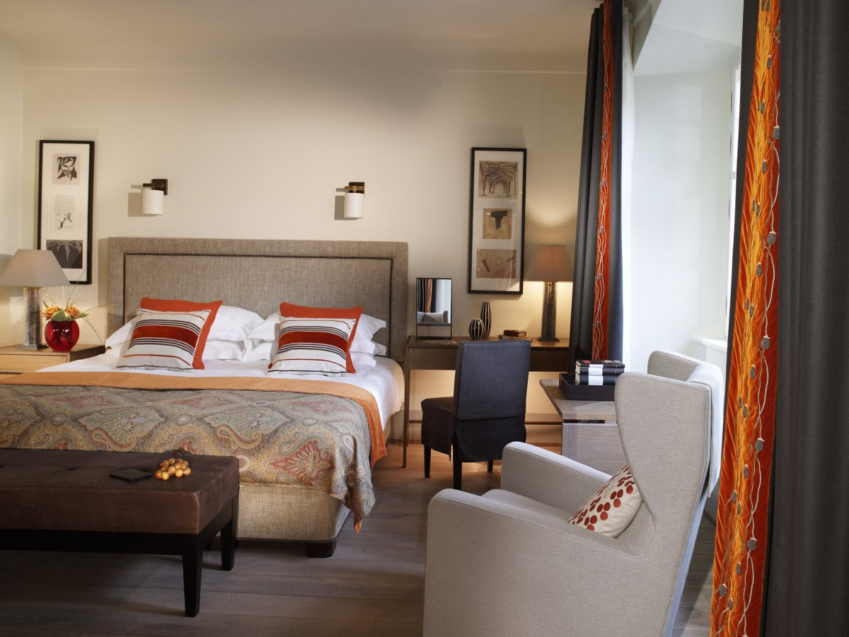lux4310gr-168488-Executive Room