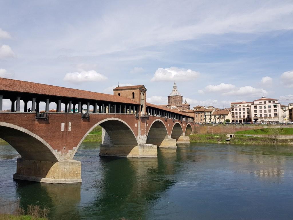 Cosa visitare in Lombardia: Il Ponte Coperto di Pavia