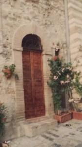 door Assisi