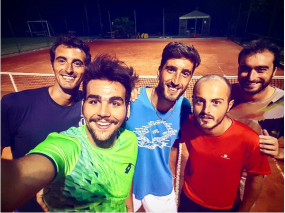 igny-with-tennis-friends