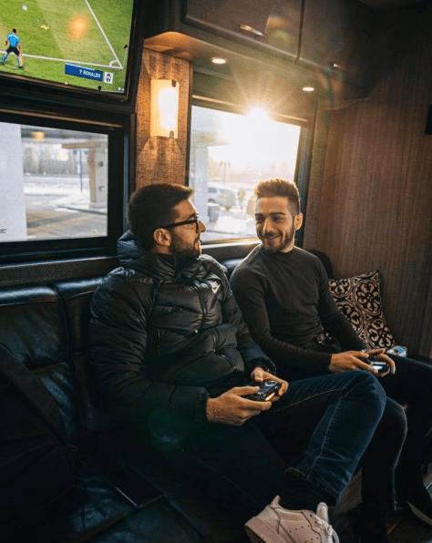 Tour Bus 18