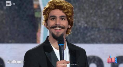 Ignazio in a gold wig