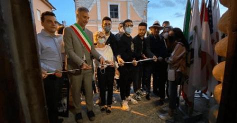 The Mayor, Vittorio Storaro and Ignazio, Gianluca and Piero cutting the ribbon