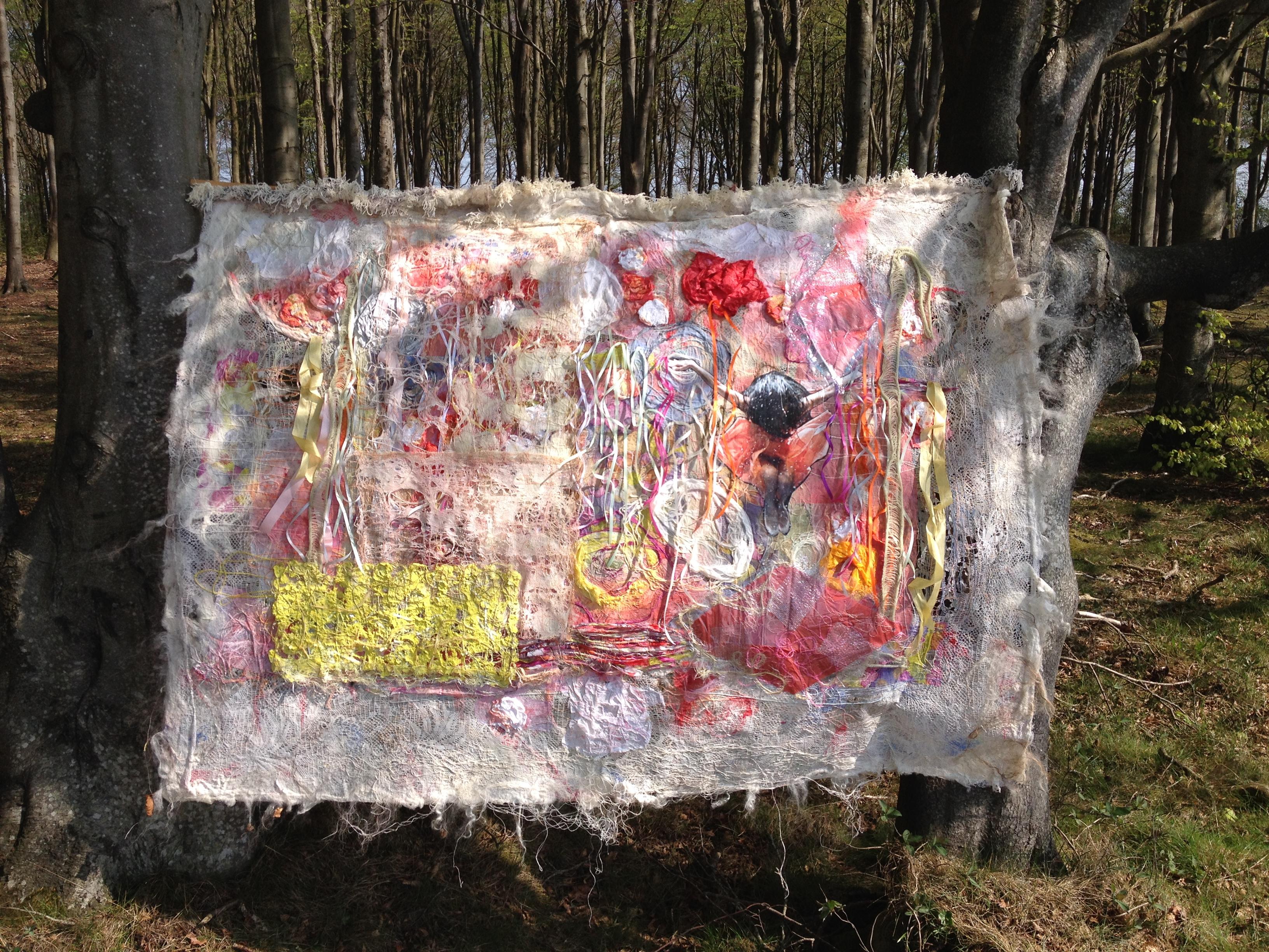 """Tekstil collage """"Dans, dans eller vi er fortabt"""""""