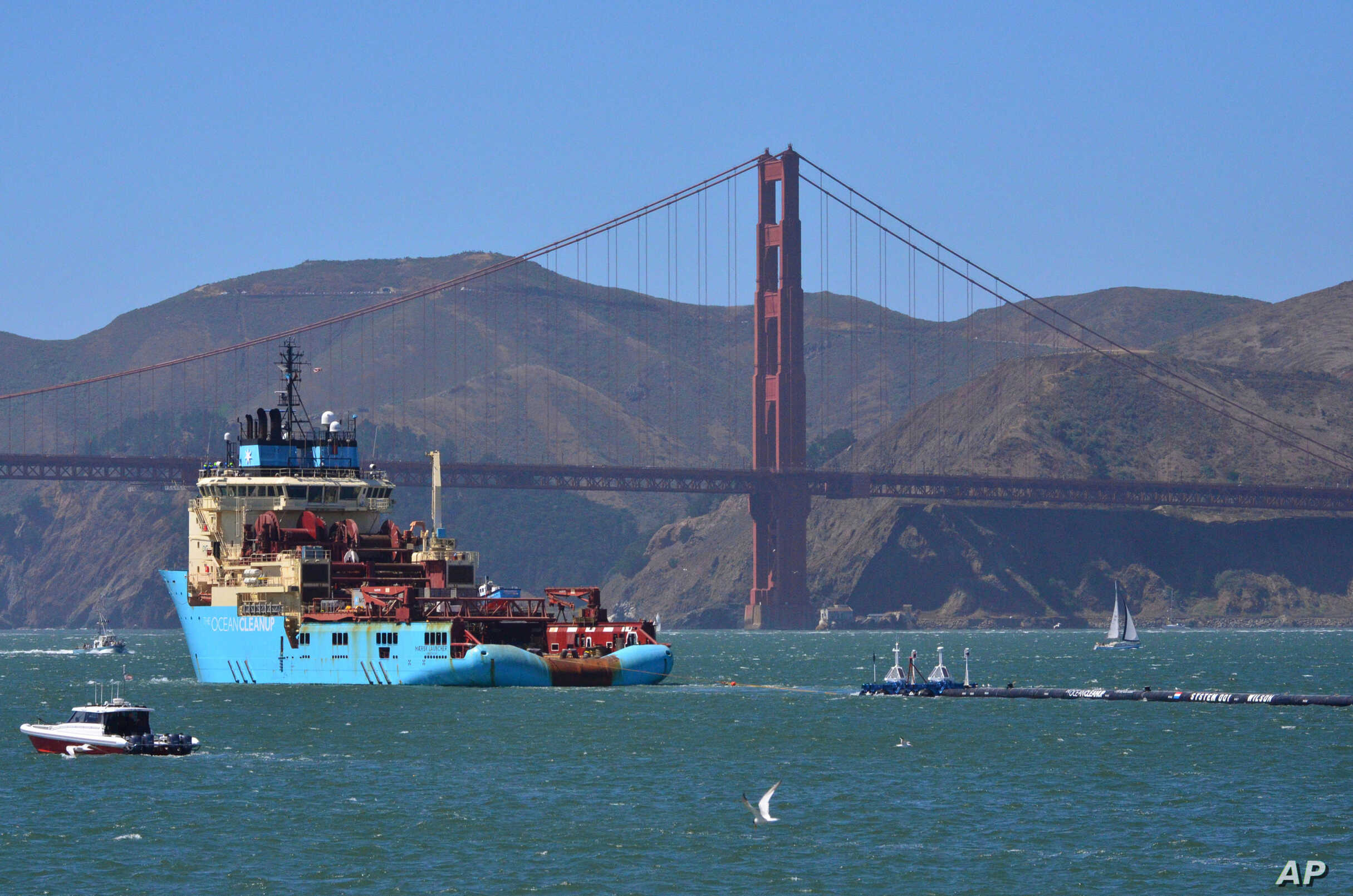 Founded in 2013 by boyan slat,. Ocean Cleanup Boom Begins Sweeping Pacific For Trash Voice Of America English