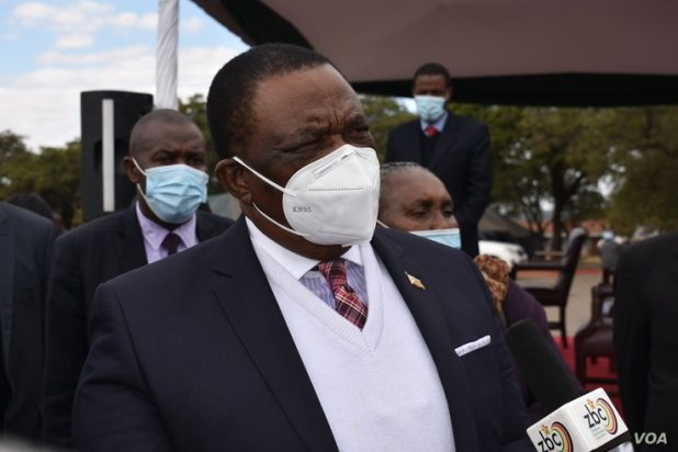 Vice President Constantino Chiwenga vowed that Zimbabwe will overcome the third wave of COVID-19 if every citizen cooperates, in Harare, June 24, 2021. (ColumbusMavhunga/VOA)