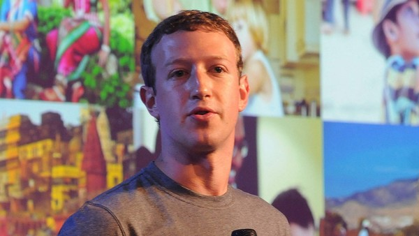 Facebook CEOMarkZuckerberg addressing at a New Delhi summit of internet.org...epa04438278 Facebook CEOMarkZuckerberg addressing a New Delhi summit of internet.org, a project to make internet access affordable across the world in New Delhi, India 09 October 2014. Facebook will support the development of local-language apps and ones that help farmers and migrant workers in developing countries, the social networking site's founder and CEOMarkZuckerberg said. There were 77.8 million internet users in India in 2013 with a penetration of just 13.7 per cent of the population, according to research firm eMarketer. EPA/STR