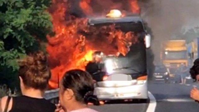 В Турции автобус с туристами сорвался со скалы, украинцев среди пострадавших нет - Цензор.НЕТ 732