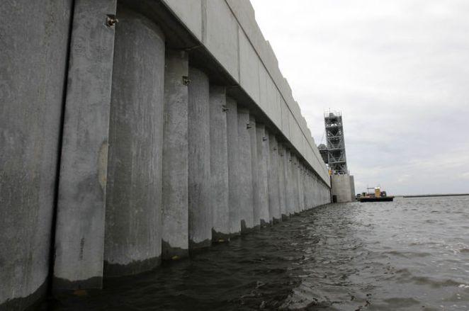 """ABD'de Ida Kasırgası nedeniyle """"acil durum"""" ilan edildi - HABERLER 17"""