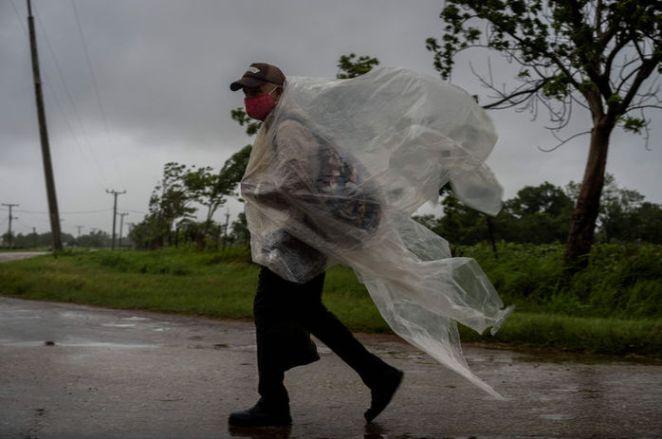 """ABD'de Ida Kasırgası nedeniyle """"acil durum"""" ilan edildi - HABERLER 13"""