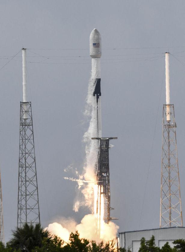 TURİSTLER UZAYDA! Son dakika: SpaceX, 60 yıllık tarihte ilke imza attı 15