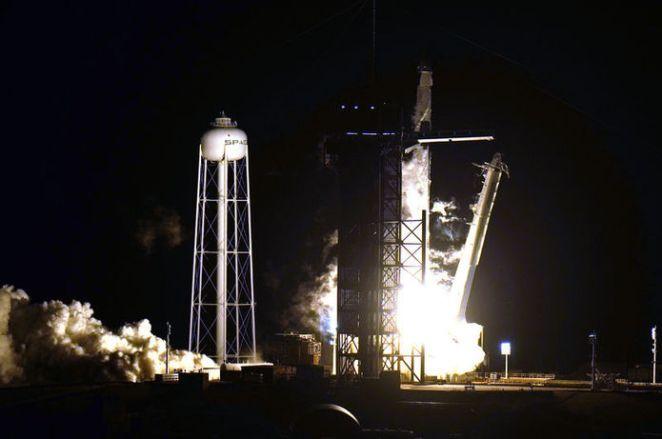 TURİSTLER UZAYDA! Son dakika: SpaceX, 60 yıllık tarihte ilke imza attı 16