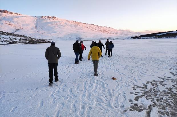 Kış şartlarında doğada kalan yaban hayvanları için yem bıraktılar Off Road ekibinden anlamlı etkinlik