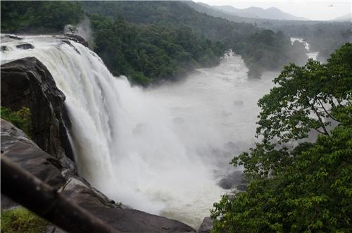 Athirapally Falls Wallpapers Waterfalls In Thrissur Waterfalls Near Thrissur District