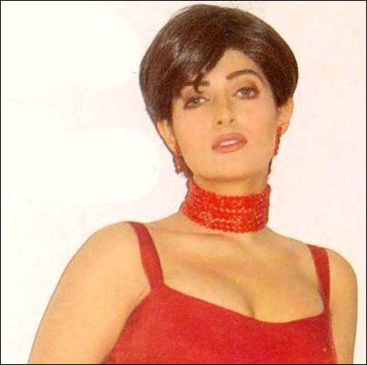 Image result for twinkle khanna short hair