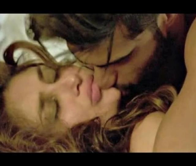 Kareena Kapoor Hot Kissing Scene In Bollywood Movie Ki And Ka Full Hd Indiatimes Com