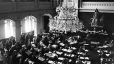 Женское избирательное право в России впервые было введено в 1906 году на территории пользовавшегося широкой автономией Великого княжества Финляндского, но входившего в состав Российской империи. На остальной территории России женщины получили право голосовать только весной 1917 года