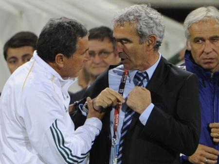 Irritado, raymond Domenech criou uma situação constrangedora após  se recusar a cumprimentar o brasileiro Carlos Alberto Parreira