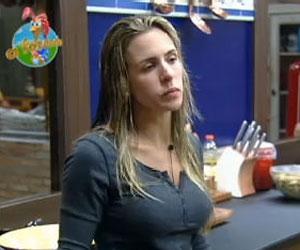 Joana critica Taciane