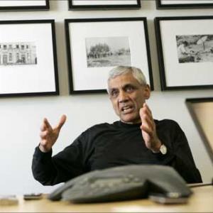 Billionaire Vinod Khosla's daughter blackmailed by ex-boyfriend - Rediff.com Business