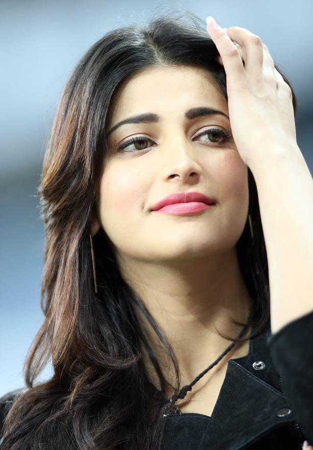 Pix Genelia Sunny Salman At Ccl Cricket Matches