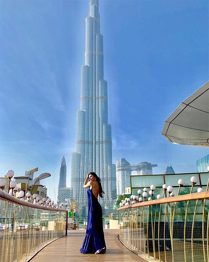 Pix Mouni Roy S Dubai Holiday Rediff Com Movies